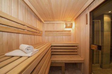Бани ипарикмахерские Петербурга могут готовиться кприему посетителей