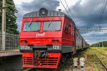 Свыше 50 электричек запустят изПетербурга с30июня