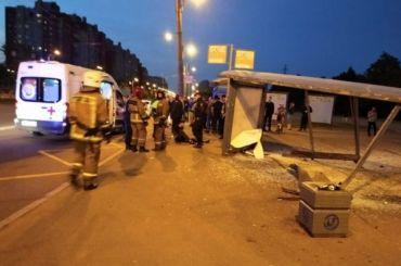 Водитель Toyota сбил трех человек наавтобусной остановке вКупчине
