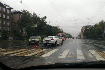 Петербург впервый день июля ждут дожди, грозы иград