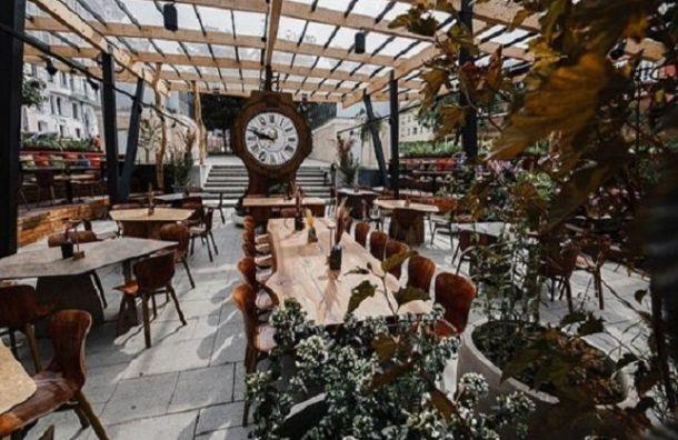Смольный отказал половине бизнесменов вустановке упрощенных летних кафе