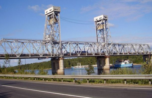 Трассу «Кола» перекроют из-за развода моста через Свирь