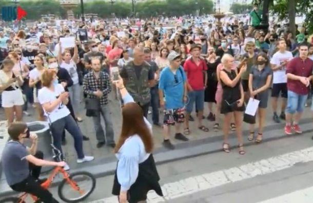 Жители Хабаровска третий день протестуют против ареста своего губернатора