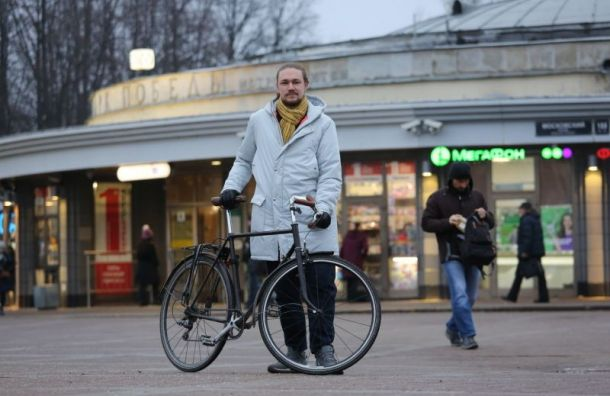 Семь новых велопарковок появятся устанций метро вПетербурге