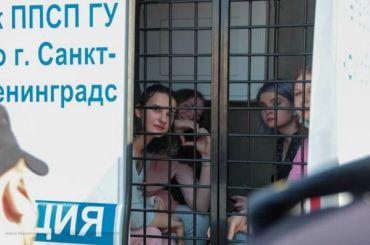 Полиция задерживает активистов, несогласных сзаконопроектом Мизулиной