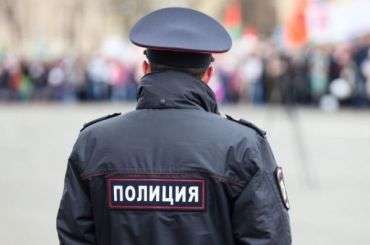 «Была без маски»: полиция проверит инцидент сизбиением девушки вТЦ «Галерея»