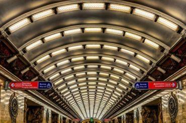 Уборщица остановила движение накрасной ветке петербургского метро
