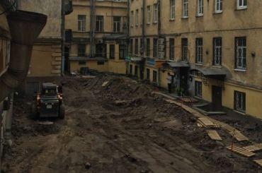 Активисты требуют включить мощение впредмет охраны дома статс-секретариата Великого Княжества Финляндского