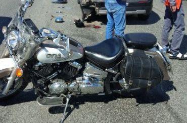 Мотоциклист получил тяжелые травмы ваварии наКАД