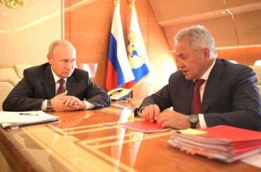 Путин провел совещание сШойгу попути изПетербурга вМоскву