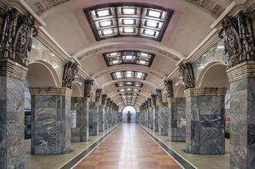 Настанции метро «Кировский завод» отреставрируют колонны