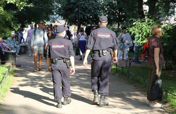 Неадекватная петербурженка избила девочку на детской площадке
