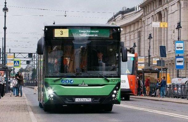 Испытания новейшего белорусского автобуса начались наулицах Петербурга