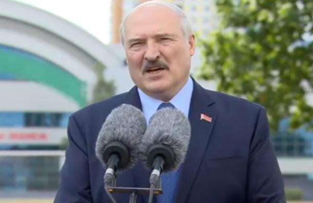 Лукашенко назвал протестующих белорусов овцами