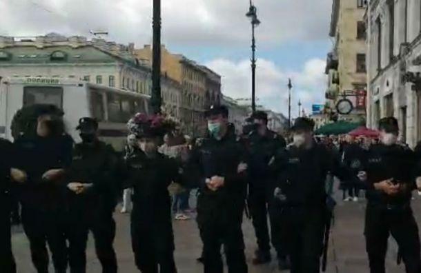 Десять человек задержали вПетербурге наакции вподдержку Хабаровска