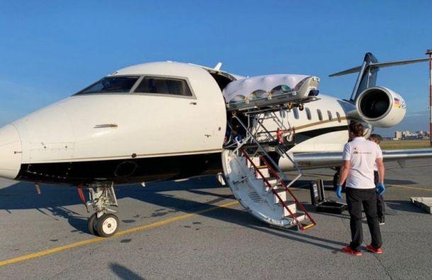 Самолет сНавальным приземлился вБерлине