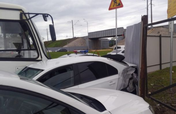 Троих человек увезли наскорой после аварии наПулковском шоссе
