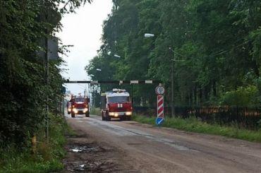 Пожарные тушили цех попроизводству дверей вЛенобласти