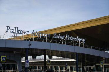 Более 40 рейсов отменили вПулково утром 3августа