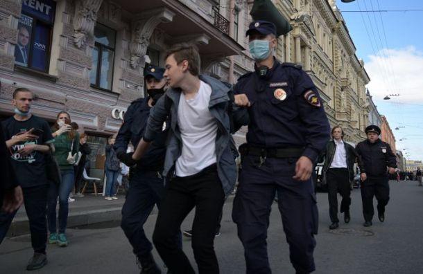 Число задержанных наакции вподдержку Хабаровска увеличилось до21