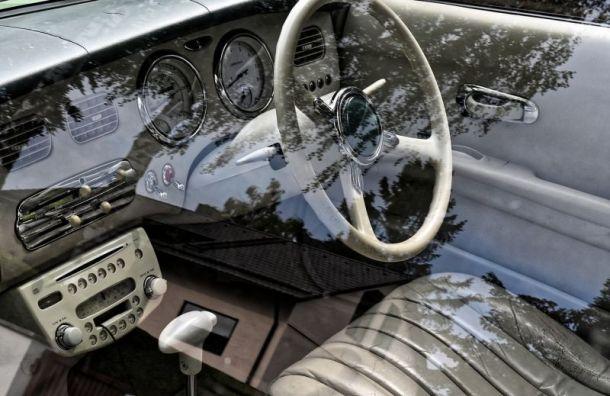 Праворульные автомобили вРоссии получат новые номера