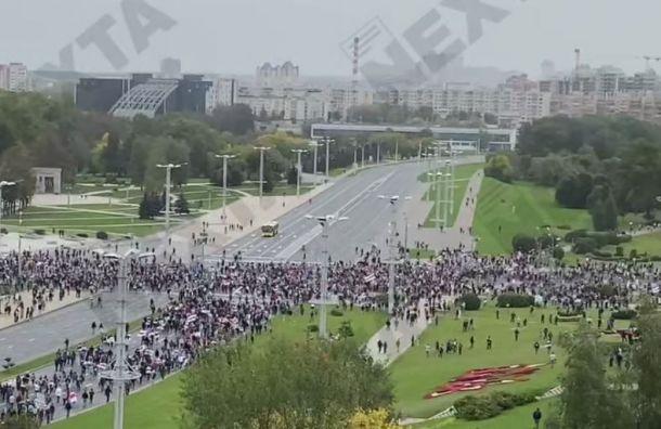 Пять тысяч человек вышли в центр Минска на акцию протеста