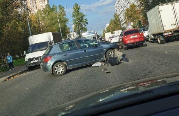 ДТП смотоциклом остановило движение автобусов наУшинского