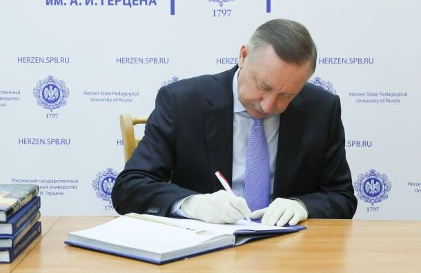 Беглов заявил, что готов сделать прививку откоронавируса