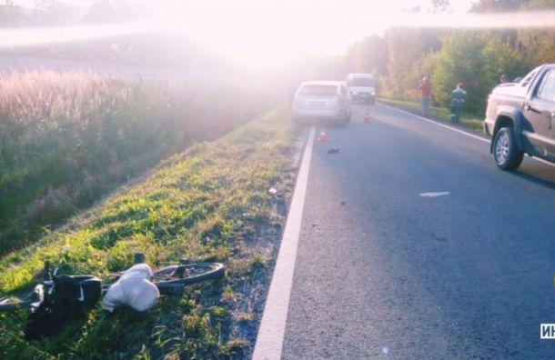 Автомобиль сбил велосипедиста вПетергофе