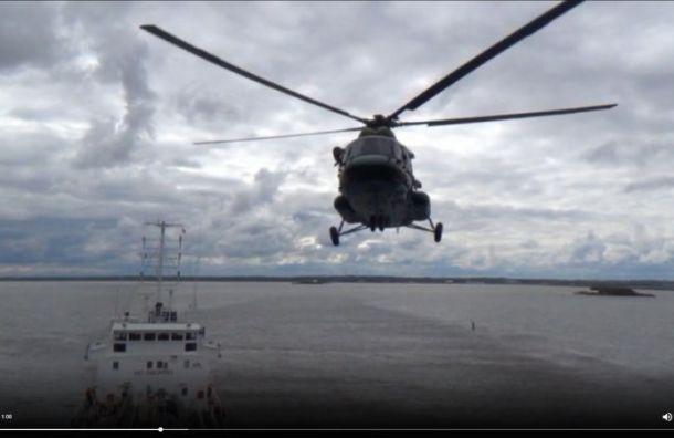 Правоохранители освободили «захваченный» танкер вФинском заливе