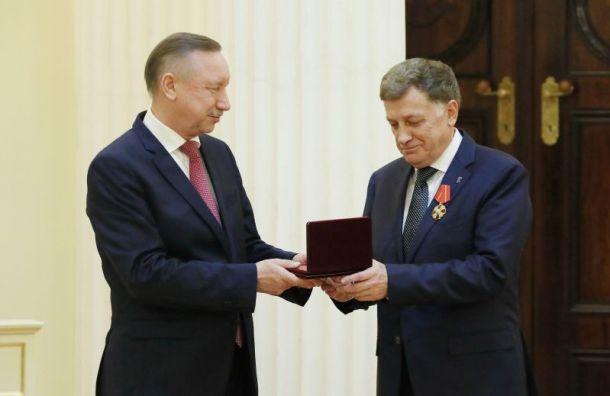Макаров получил изрук Беглова орден Александра Невского