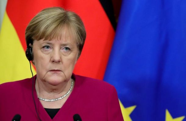 Меркель тайно посетила Навального, лечившегося вберлинской клинике