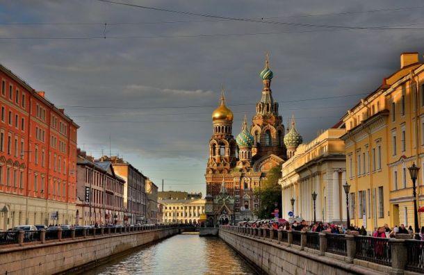Петербург оказался напериферии циклонического вихря