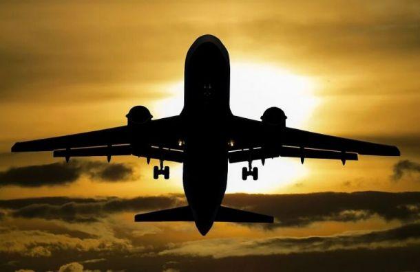 Летевший изАнтальи вПетербург самолет экстренно приземлился вСочи