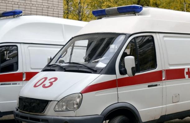 Три человека отравились угарным газом наЛенинском проспекте