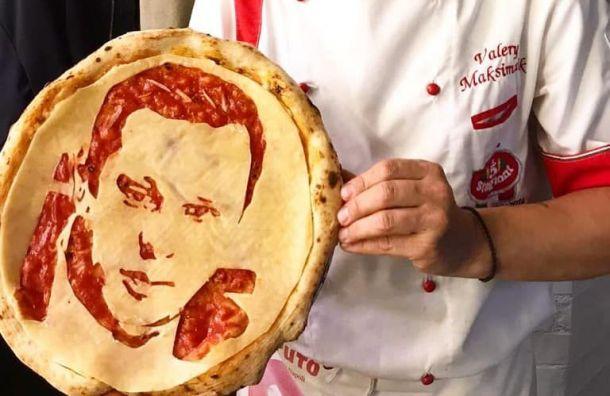 Петербургский ресторан испек пиццу слицом Четырбока