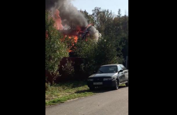 Под Токсово дотла сгорел частный дом