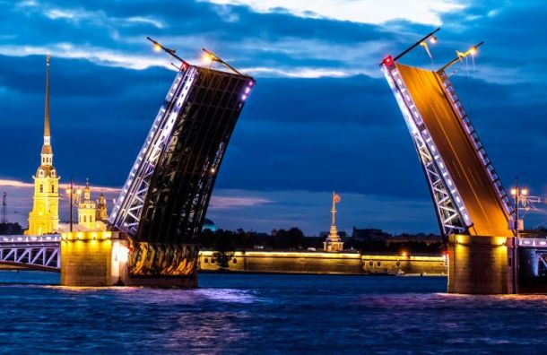 Мосты Петербурга будут светить по-новому