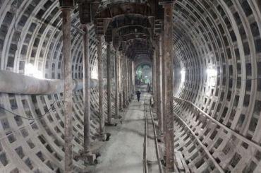 Открытие метро вновь откладывается: «Театральную» и«Горный институт» запустят в2023 году