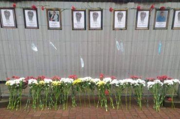 Стену памяти погибших медиков хотят отдать музею гигиены, ноактивисты против