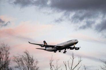 Вылетевший изПетербурга самолет подал сигнал тревоги