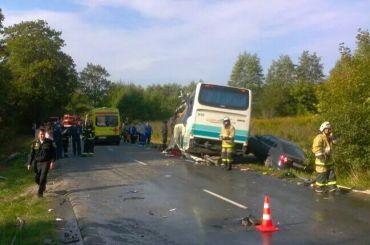 Шесть человек погибли вДТП савтобусом вКалининградской области