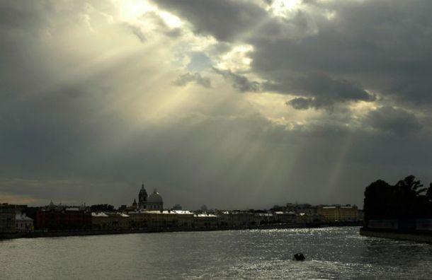 Осень вернулась ксвоему началу: всреду вПетербурге будет тепло иоблачно