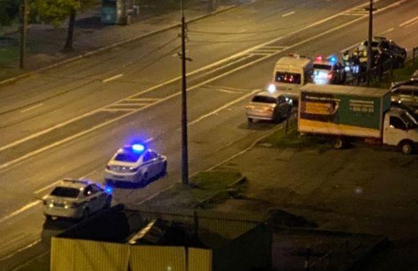 Уходившего отполицейской погони таксиста задержали сострельбой