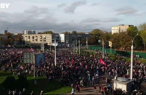 Милиция стреляет ввоздух вцентре Минска