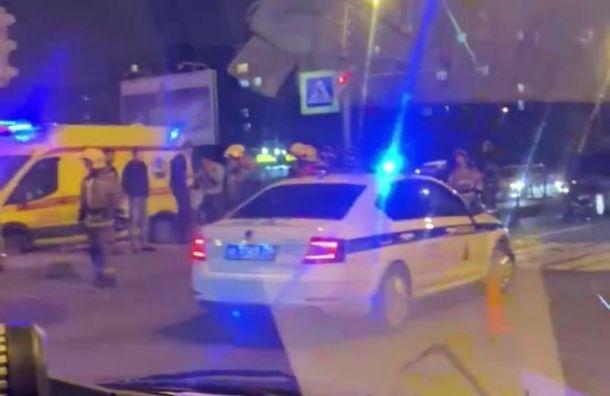 «Разорвало пополам»: девушка погибла встрашном ДТП вНевской районе