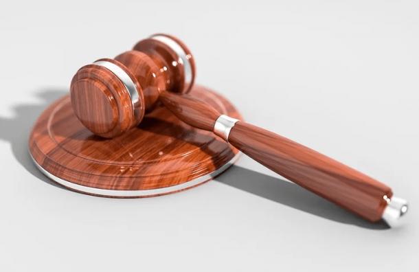 Суд оштрафовал пьяного капитана, протаранившего Прачечный мост
