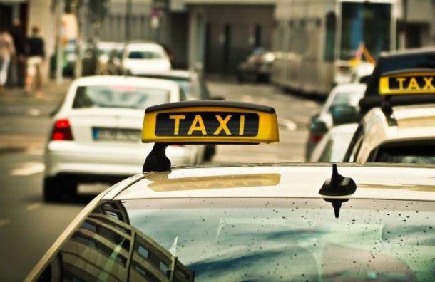 Полиция нашла убитого водителя такси вбагажнике автомобиля