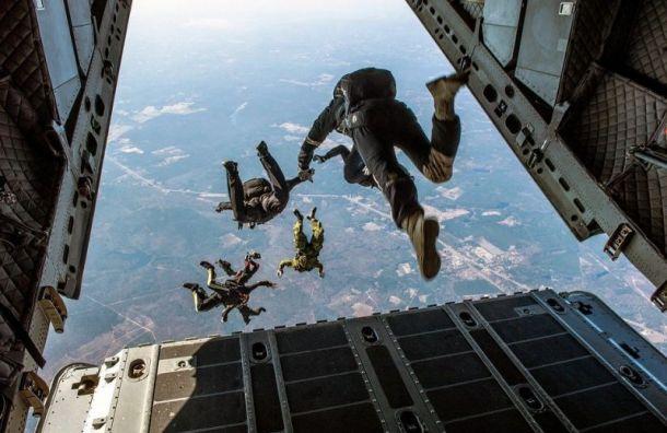 Руководителя прыжков спарашютом оштрафовали занеудачные приземления клиентов