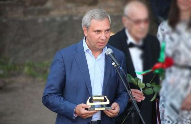 Незадолго доубийства изкоттеджа депутата Петрова украли сейф